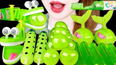 适合春天吃的小零食,绿色的果冻和糖果,满屏翠绿真是养眼