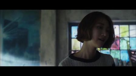 【影视】男子偷袭美女结果却被反杀