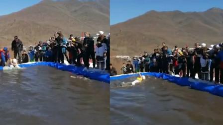 女子滑雪落水 围观群众无人救援 景区回应:周围有十几个救援人员