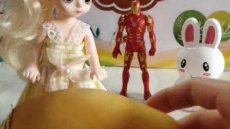 萌娃玩具:芒果虽然好吃但是要注意是否过敏