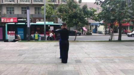 社交伦巴《草原的月亮》背面音乐演示,王雄老师与邬彩凤老师
