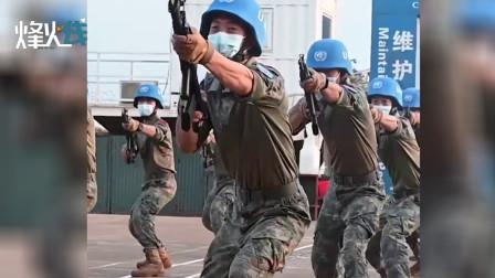 喊声震天!实拍中国维和官兵身穿星空迷彩在八国外军前展示刺杀操