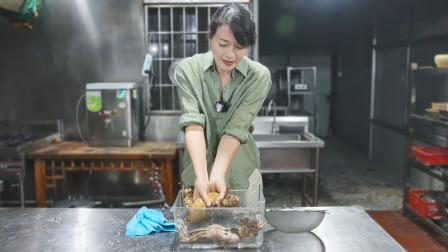 """表嫂图稀奇高价购买小姐鱼,""""猴头鳗身""""性格暴躁,吃吃看怎么样"""