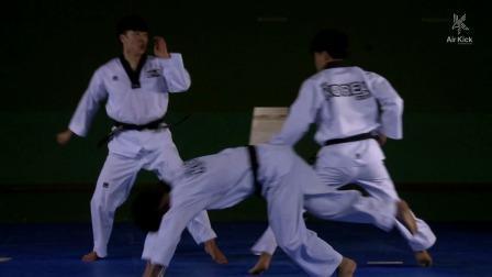 帅炸了,N次连续后旋、旋风踢,多次击破腿法!跆拳道腿的艺术!