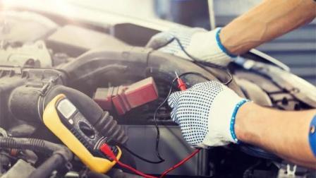 为何车停几天电瓶会没电?答案揭晓,很多人看完才回过神