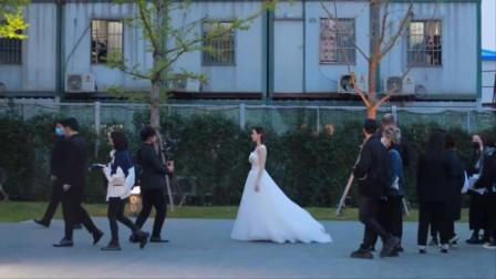 佘诗曼确定不是穿的婚纱?实在太惊艳了,完全不像46岁的女人!