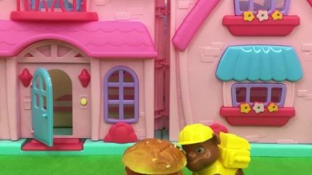 乔治去拿了番茄酱,结果汉堡就被小力 吃了