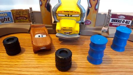 拼搭赛车总动员汽车赛道玩具