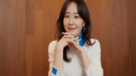韩国知名女明星宣布自己离婚,已经和老公两地分居,离婚已经好久