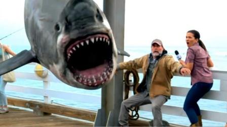 男子捕获一条大鲨鱼,鲨鱼嘴里竟吐出活物