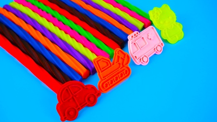 彩泥螺旋条和汽车玩具
