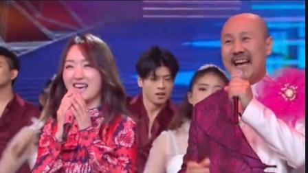 天!腾格尔与杨钰莹合唱《茶山情歌》炸翻全场,一个粗犷一个甜美