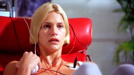 女孩拥有外星人基因,自愈能力惊人