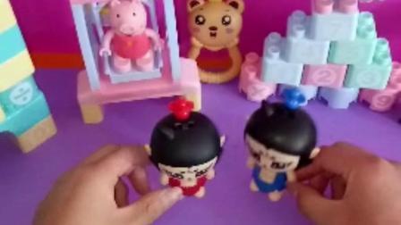 少儿玩具:植物帮助葫芦娃打败了僵尸