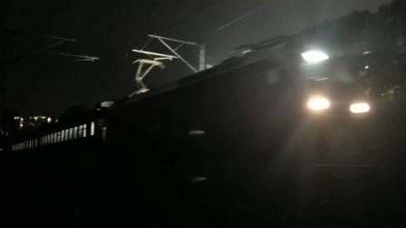 HXD1D0010武局南段Z123广州-成都提前3分通过水郡路21:16