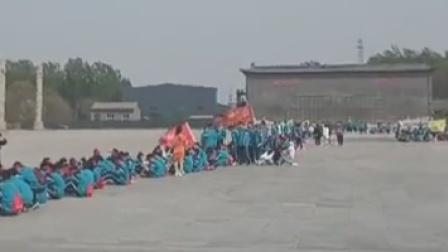 邯郸一景区扣留700多名学生 景区:乱扔垃圾损毁部分设施