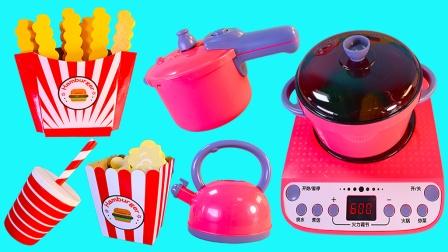 小猪佩奇的煮饭过家家和汉堡包玩具