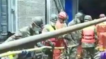 直击救援现场!新疆煤矿透水事故12名被困人员位置基本确定