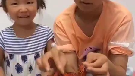 欢乐亲子:龙虾看着真棒呀