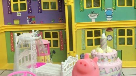 乔治帮猪妈妈打扫卫生,猪妈妈很开心