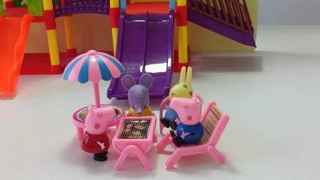粉红佩奇周末记:粉红佩奇和朋友们去海边野餐啦!