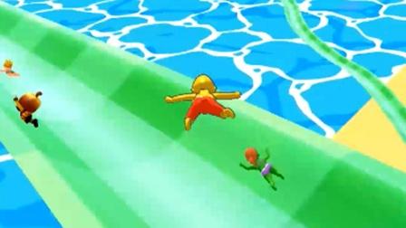 我抄近道的技术一流 水上乐园滑梯竞速
