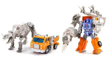 变形金刚机械工程车车厢和大恐龙玩具