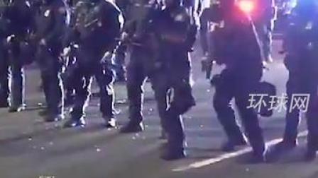 美国波特兰又双叒叕爆发抗议,警察与示威者再次展开追逐战……