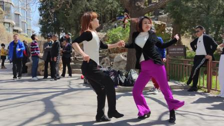 吉特巴《等你等了那么久》歌好听,梅子老师舞步干净利落
