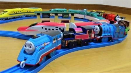 托马斯寻找公园里的列车玩具