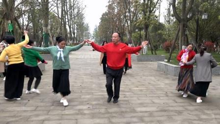 镇雄晟锦花园 交谊舞《雪山阿佳》