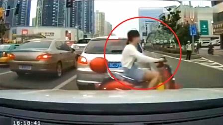 这是多么无助的一幕,看完视频后,才知司机有多紧张