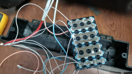 铅酸电池的平衡车改锂电池!改完一试机还翻车了