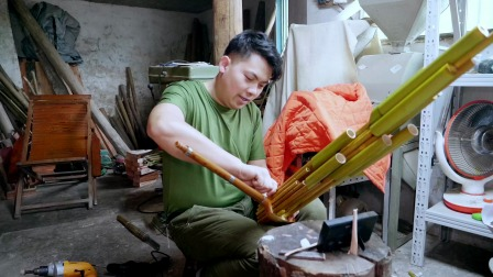 贵州民间牛人用竹子做乐器,一做就是50年,家里摆满各种乐器