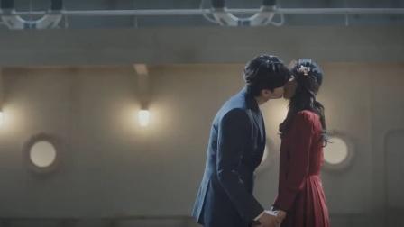 李钟硕和美女谈恋爱 没想到还有一个妻子在家
