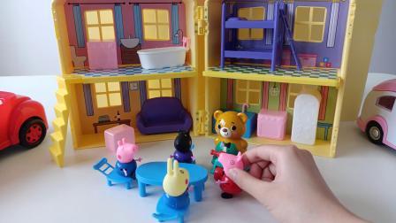 粉红佩奇生活日常记:粉红佩奇做的美食都给贪吃的小乔治吃完了!