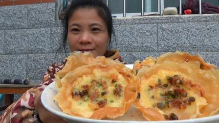 阿布在家用汤勺做葱油饼,大小均匀好看,又脆又香,百吃不腻