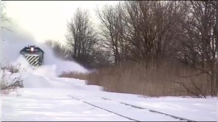 冰天雪地!来看看国外的火车是怎么前进的