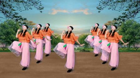 简单欢乐,老少皆宜的广场舞《桃花朵朵开》