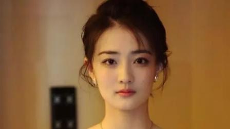 徐璐与姐妹热聊超开心 爸爸亲自接回家太幸福