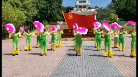 《茉莉花》广场舞节目是由广东省陆河县南悦舞队表演的(2014.4.11)