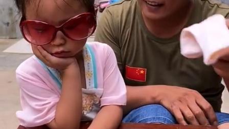 忧伤的童年:宝贝太困了,都不愿意上学了