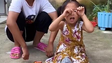 忧伤的童年:萌娃怎么哭了,这是怎么了?