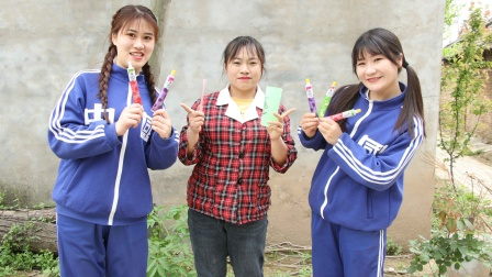 老师让田田帮忙买牙膏,没想田田竟买了个牙膏糖,结局真有趣