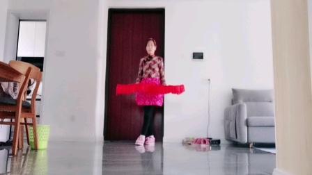 四川秋红广场舞,扇子舞虹彩妹妹,