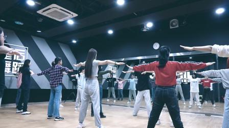 零基础爵士舞培训,成人舞蹈课堂实拍,河南郑州爵士舞蹈班哪里好