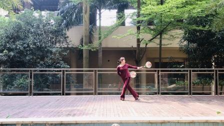 徐真英自编练习柔力球双拍双球《天边有颗闪亮的星星》