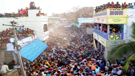 印度疫情再拉响危险警报,民众埋下两颗巨雷,一旦引爆会不得了