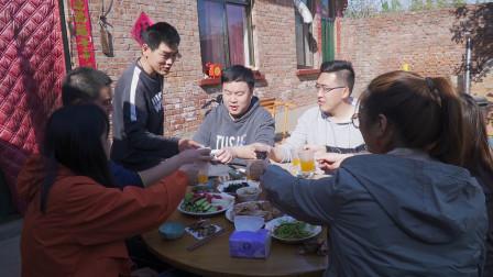 粉丝朋友来家玩,阿远滩羊烤串、生蚝安排上,好吃好喝整了一席