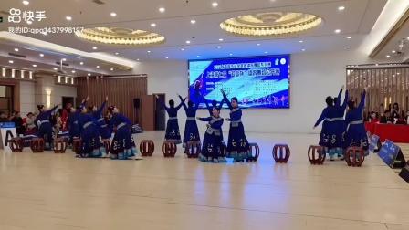 舞蹈:站在草原望北京